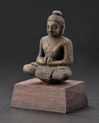 仏教僧の像